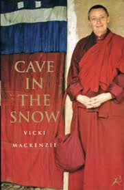 Vicki Mackenzie  Cave in the snow. A western womans quest for enlightenment